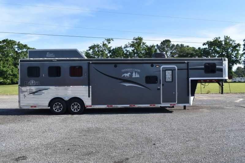 2018 Bison Trailers Ranger 8311 Horse Trailer