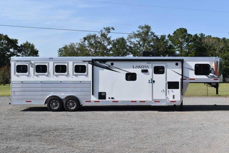 2021 Lakota Charger 8411RKGLQ Horse Trailer