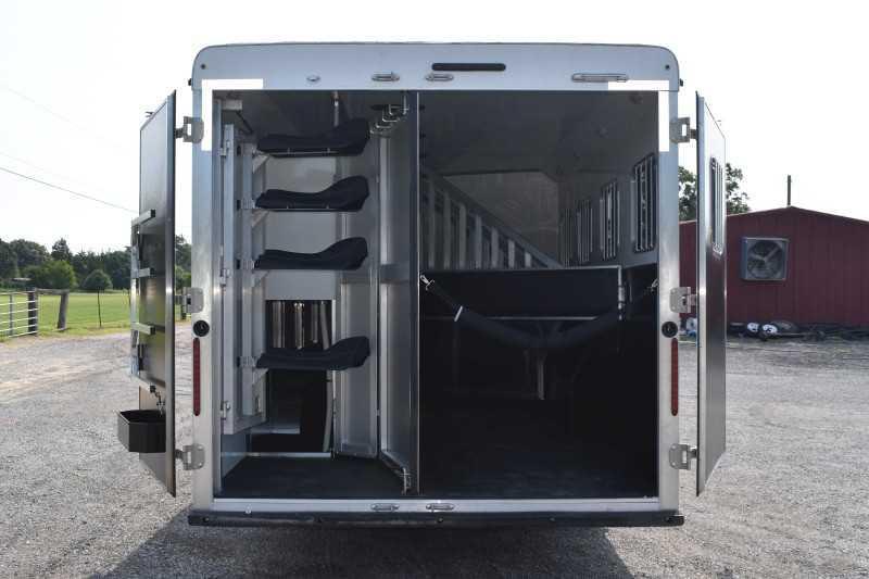 2022 Bison Trailers Desperado 8413GBSO Horse Trailer
