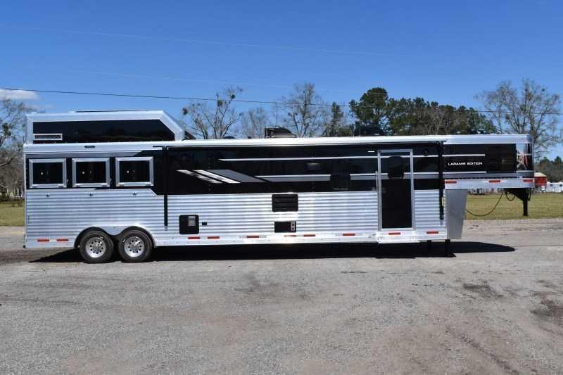 2021 SMC Horse Trailers SL8318SCEBUG Horse Trailer
