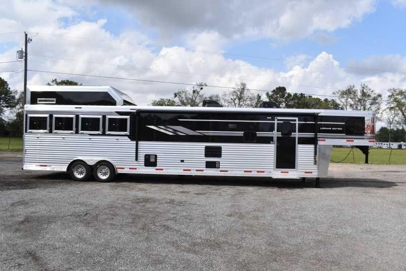 2021 SMC Horse Trailers SL8418SCEBUG Horse Trailer