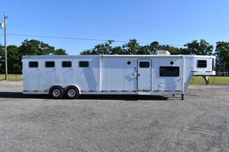 2003 Exiss Trailers 8414BKLQ Horse Trailer