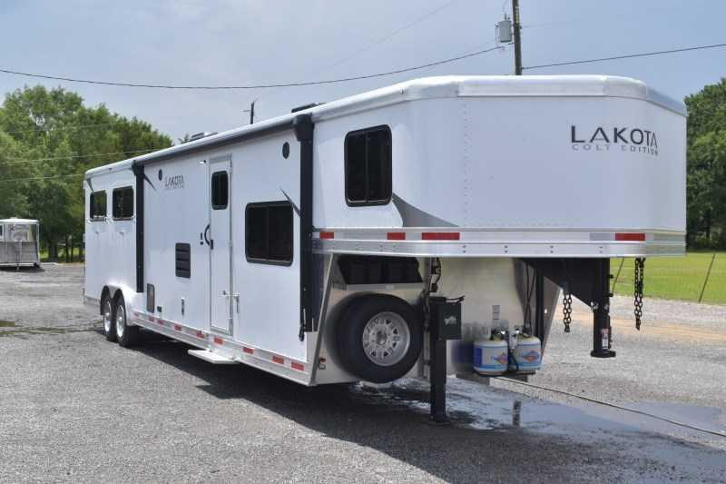 2022 Lakota Colt 8415SO Horse Trailer