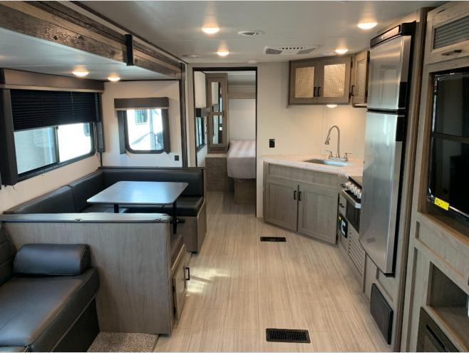 New 2021 Keystone RV Hideout 29DFS