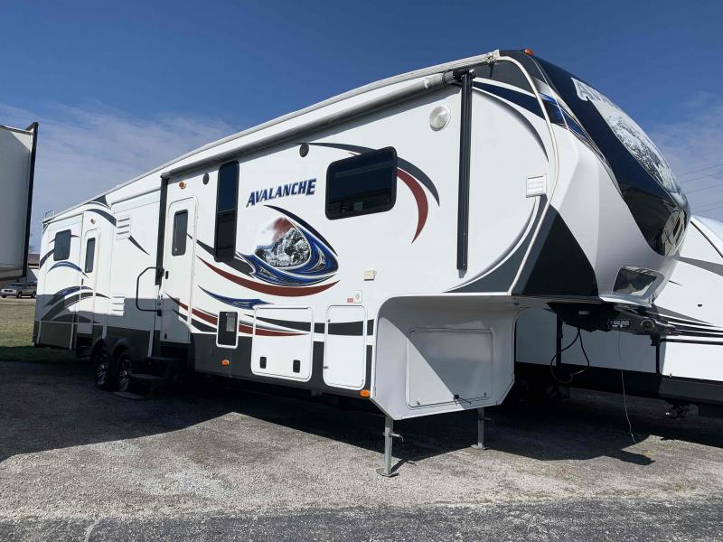 2014  Keystone Avalanche 360RB  Fifth Wheel Campers