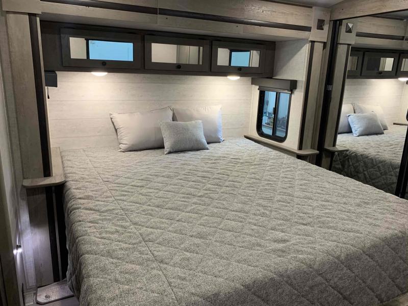 2021 Keystone RV 330rl outback  Travel Trailer