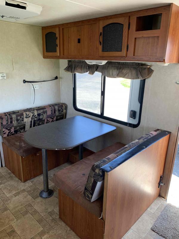2010 Coachmen Freedom Express 245RKS travel trailer