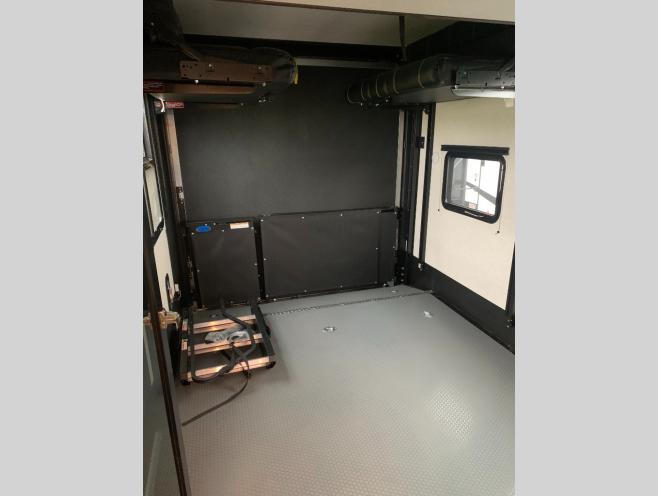 2021 Dutchmen RV Voltage 3615