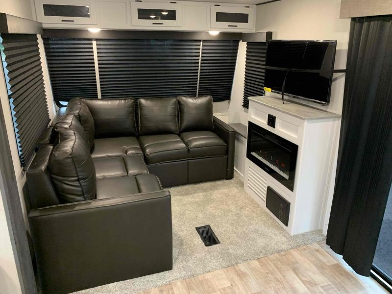 2022 Keystone RV 38FDDS  Destination Trailer