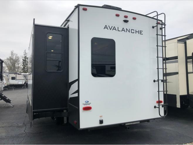 2020 Keystone RV Avalanche 332MK