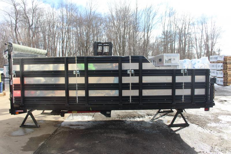 2014 Morgan 15' Dumping Stake body Truck Bed Used