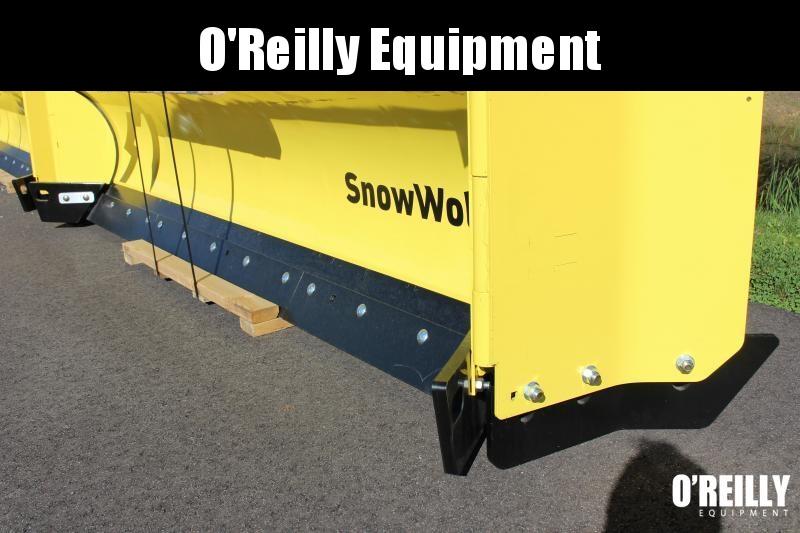2021 SnowWolf QP-138 AutoWing Snow Plow