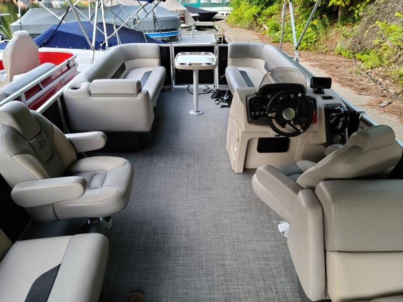 2021 Princecraft Vectra 23 XT Pontoon Boat