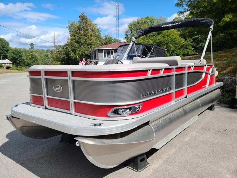 2021 Princecraft Vectra 21 RL Speed Pontoon Boat