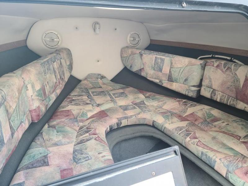 2000 Four Winns 205 Sundowner Cuddy Cabin
