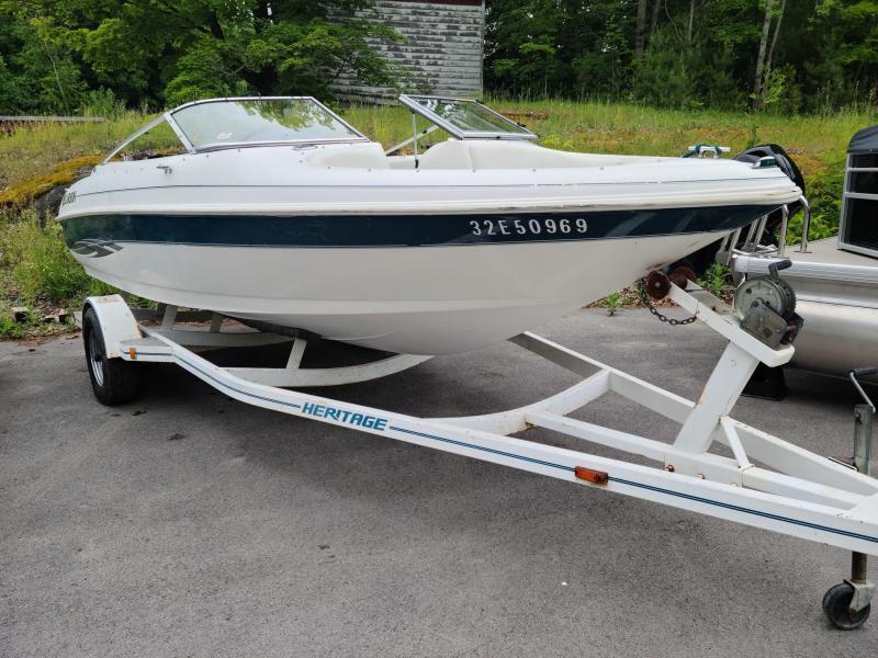 2000 Larson 206 Sei Ski Boat w/ 220hp Volvo Stern Drive