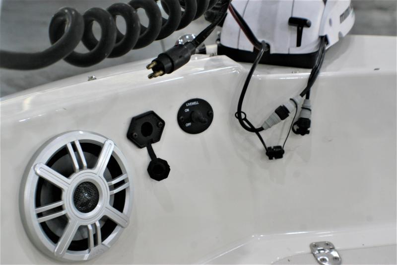 2018 Stingray Boats 182SC Deck Boat