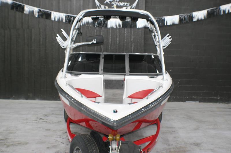 2010 Moomba Mobius LSV Ski/Wakeboard