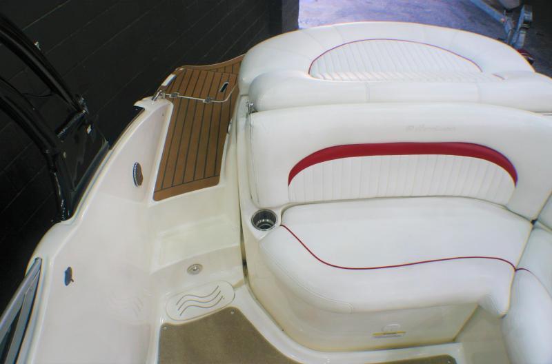 2011 Hurricane Boats 2200 Sundeck Deck Boat
