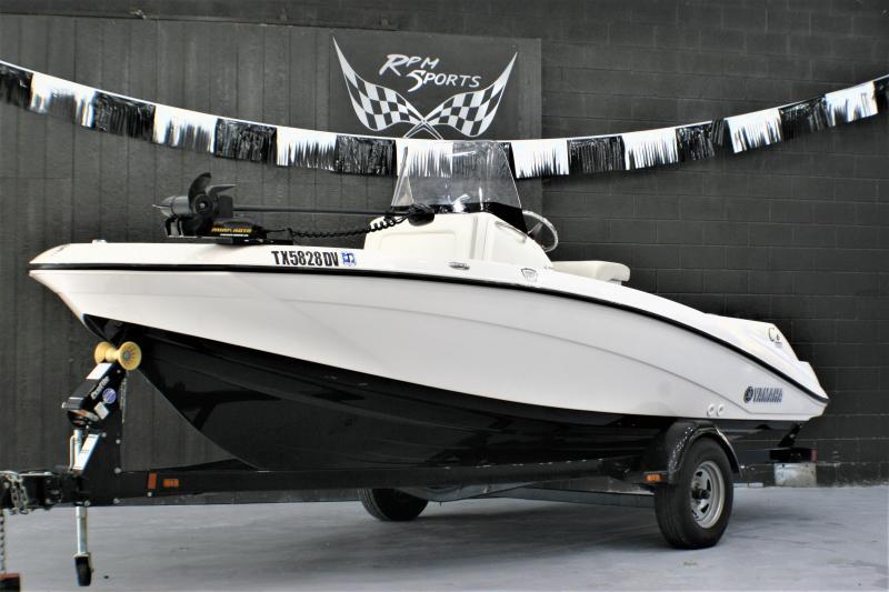 2017 Yamaha 190FSH Fishing Boat