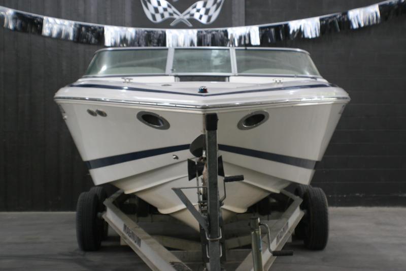 2004 Cobalt Boats 226