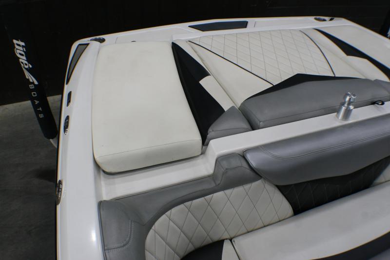 2012 Tige' RZ2 Power Boat