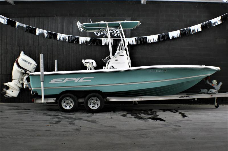 2016 Epic 22sc Fishing Boat