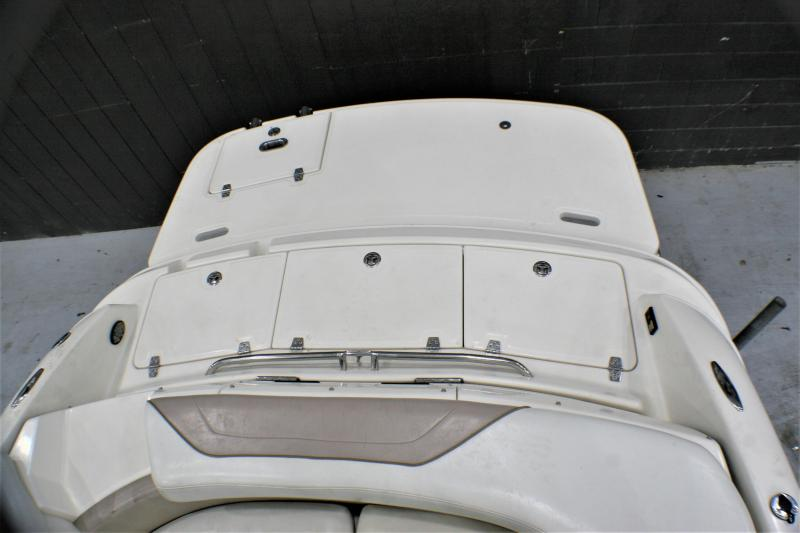 2003 Regal Boats 2400 Runabout Boat
