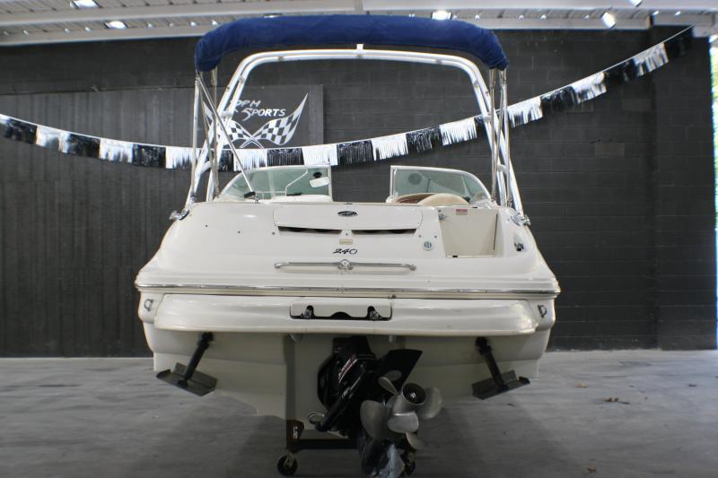 2001 Sea Ray 240 SD Deck Boat