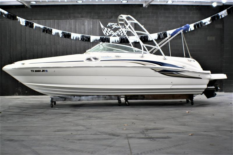 2001 Sea Ray SunDeck 240 Deck Boat
