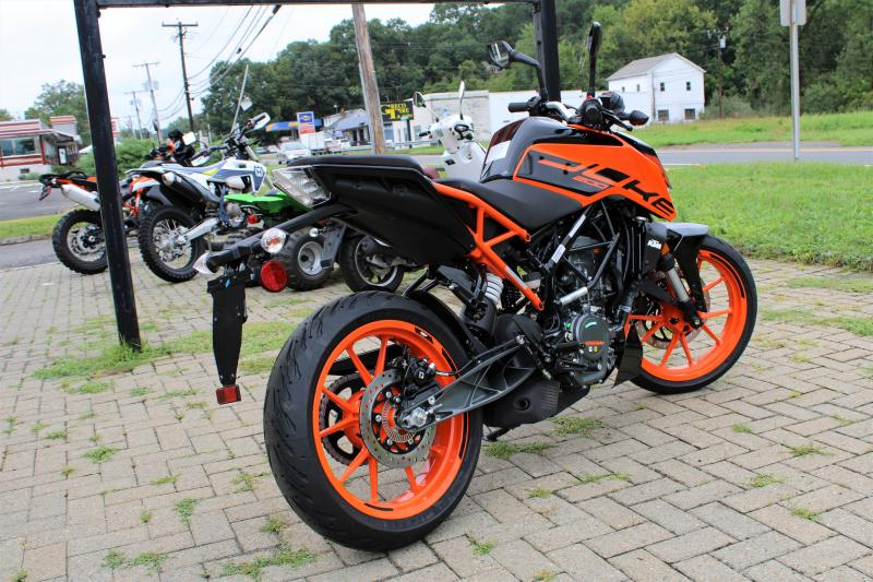 2021 KTM 200 Duke IN STOCK! Ask about our $250 new rider incentive!