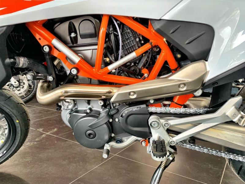 2020 KTM 690 SMC R SuperMotard