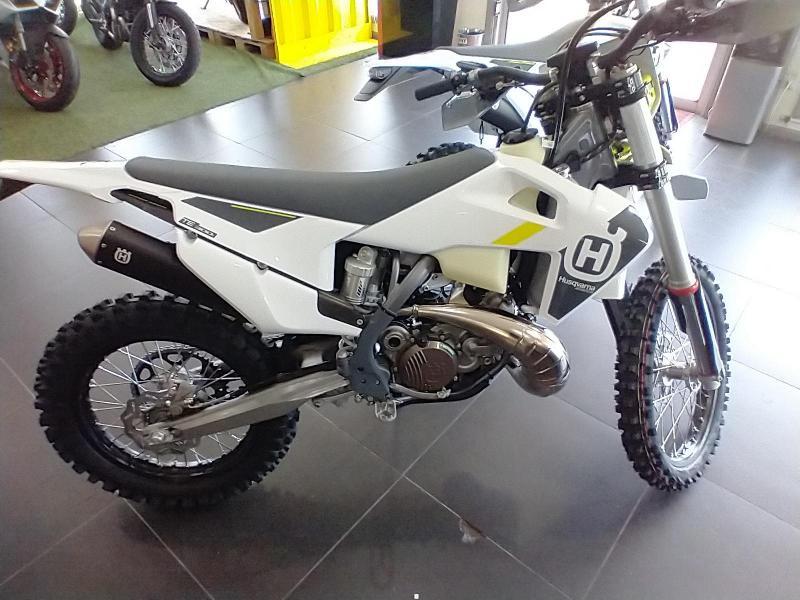 2022 Husqvarna TE 300i Motorcycle