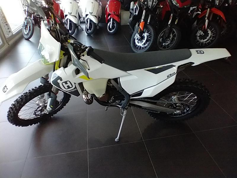 2022 Husqvarna TE 150i Motorcycle