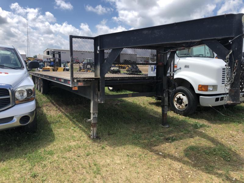 1990 Donahue 30' GN Flatbed Trailer