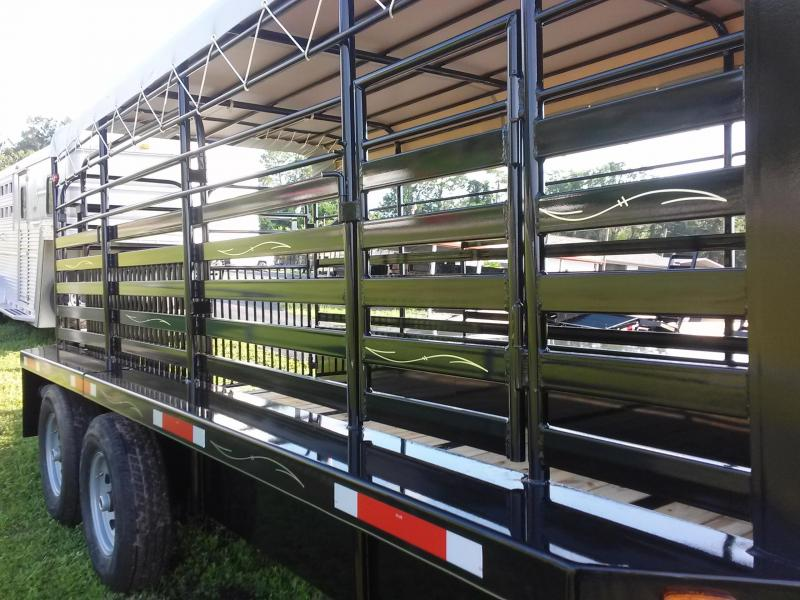 ST1612G TEXAS TRAILERS 16' GOOSENECK STOCK TRAILER