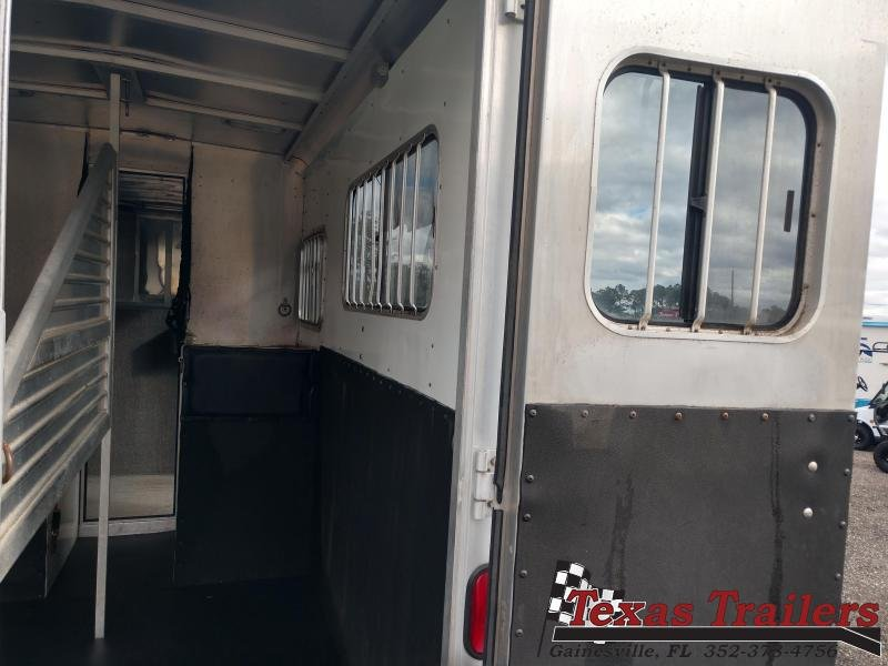 2002 Featherlite 9607 Horse Trailer