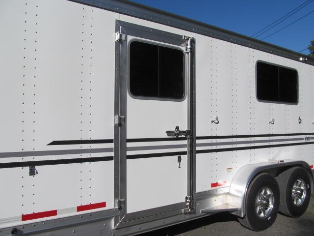 EBY Victory 4 Horse Head to Head w/ Dressing Room Horse Trailer