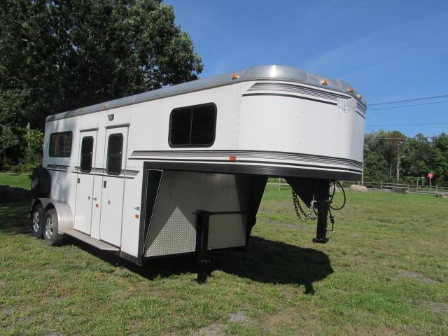 2013 Kingston Trailers Inc. Belvedere 2H Gooseneck w/ Dressing Room Horse Trailer