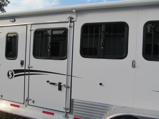 Shadow Trailers 3H Pro Series Plus Pack Gooseneck Horse Trailer