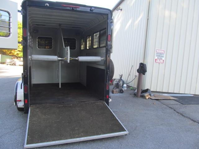 2006 Equispirit Horse Trailers 2H Bumper Pull with Dressing Room Horse Trailer