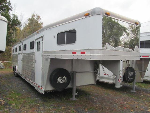 2001 4-Star Trailers 6H GN with DR Horse Trailer