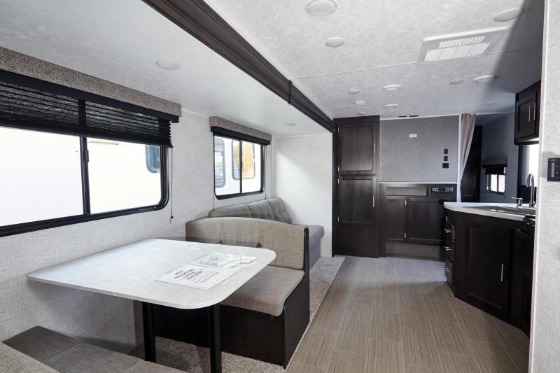 2020 Braxton Creek 300 DRBH Travel Trailer RV