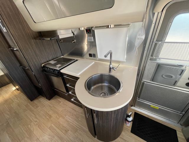 2017 Airstream International