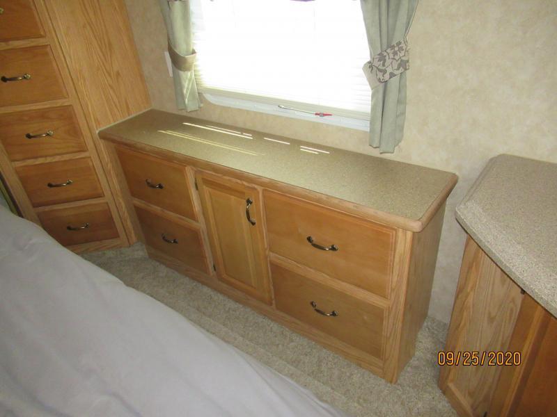 2006 Cedar Creek 34 RLTS
