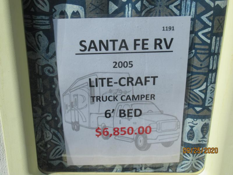 2005 Lite-Craft Truck Bed Camper