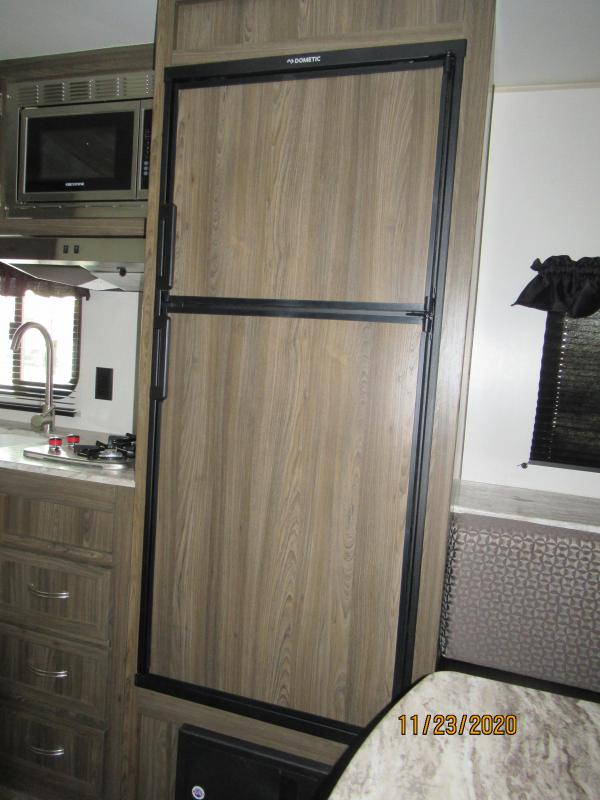 2021 Chinook Dream D177RD Travel Trailer