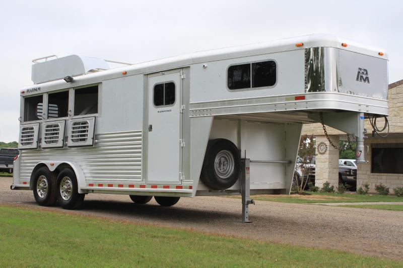 2004 Platinum Coach 3 Horse / Mangers / Drops Both Sides