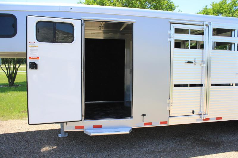 2022 Sundowner Trailers 24ft Show Cattle with Double  Side Ramps