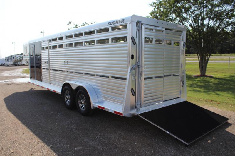 2021 Sooner 24ft Show Cattle Combo with 4 Pens Livestock Trailer